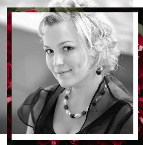 Ela Wolińska, wokalistka - śpiewa na ślubach, bankietach i imprezach firmowych.